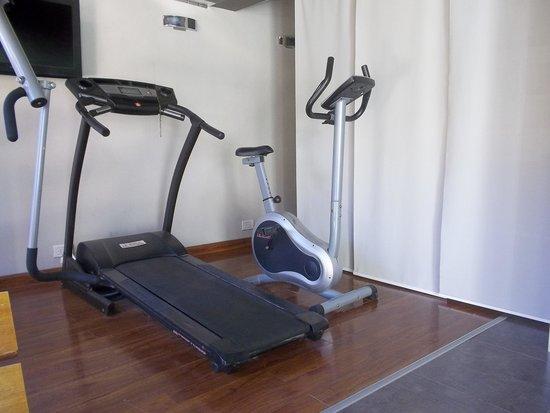 Quillen Hotel & Spa: Mini gym al lado de la pileta.