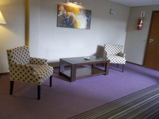Quillen Hotel & Spa: Pasillo entre las habitaciones.