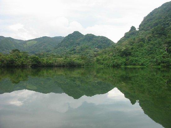 Hostal Los Trinos : La Laguna de San Carlos