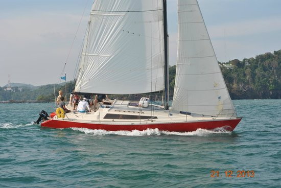 Sail In Asia: Farrgo Express 37ft Yacht