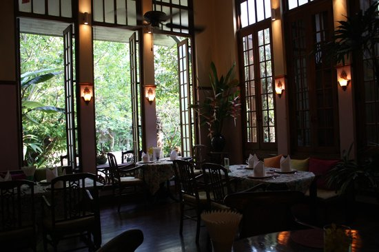 Ariyasomvilla: レストラン