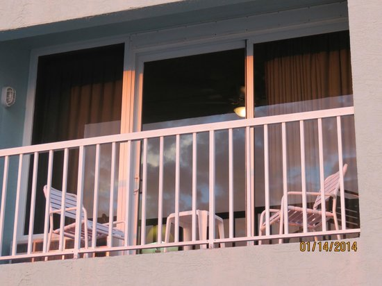 Barefoot Beach Hotel : Balcony from outside
