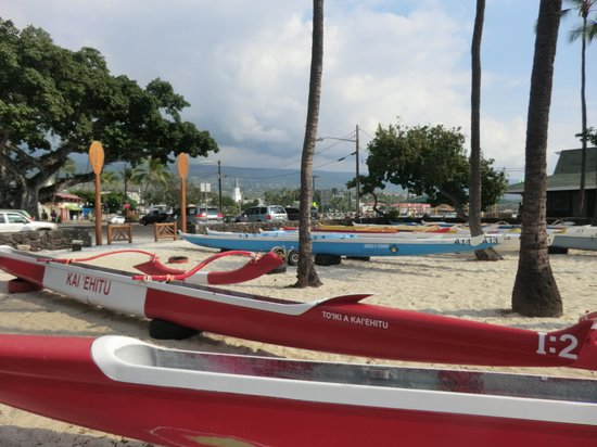 Courtyard by Marriott King Kamehameha's Kona Beach Hotel: beach area