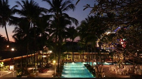 Chatrium Hotel Royal Lake Yangon : View from Sunset Terrace