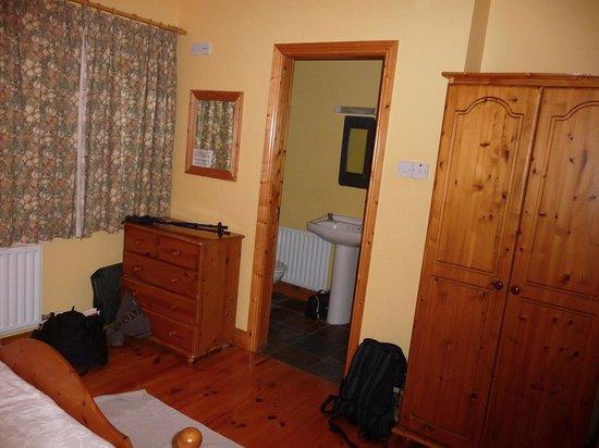 Milltown Cottages : master bedroom