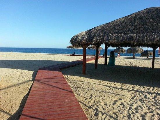 Marisol Boutique Hotel: Beach area, a block away