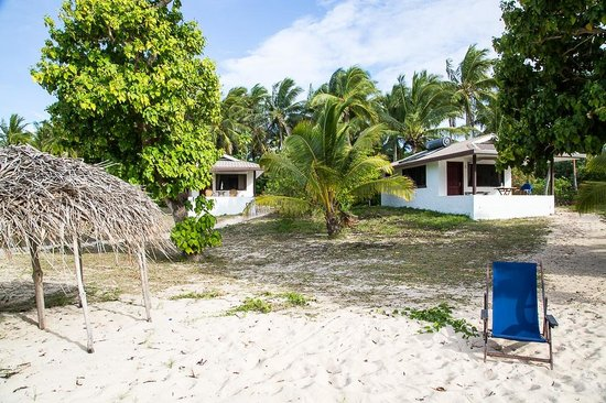 Sandy Beach Resort: All bungalows are built in the one line, 30 steps from sea