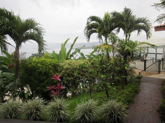 Linda Vista Hotel: Lush plants