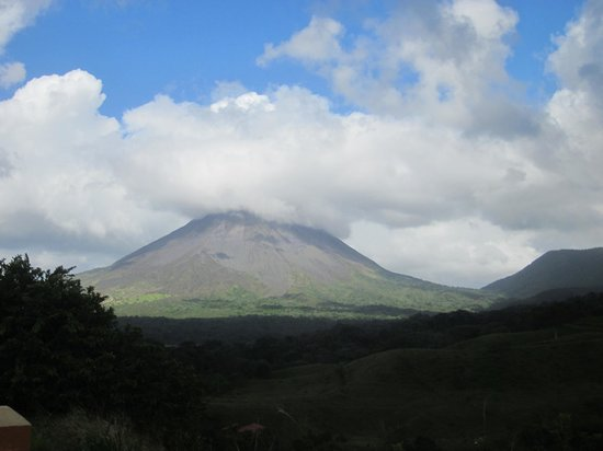 Linda Vista Hotel: The volcano!