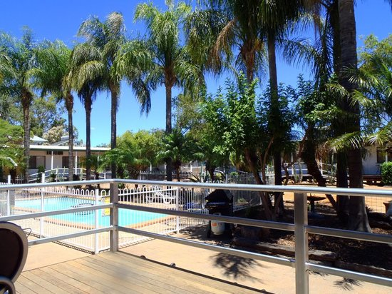 Outdoor picture of dirranbandi hotel motel for Pool show qld