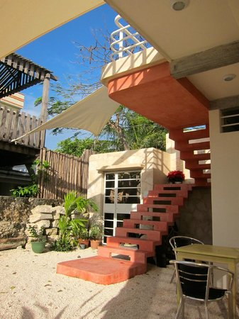 Layla Guesthouse : courtyard