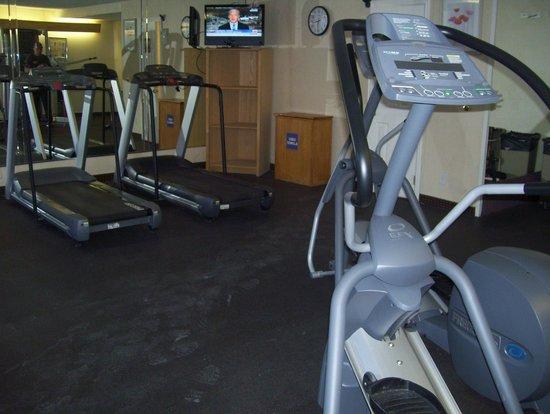 Quality Inn Phoenix Airport : gym