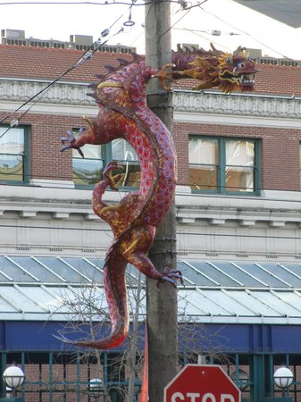Chinatown International District: Oh, look kids...a dragon!  No worries, that's the only one.