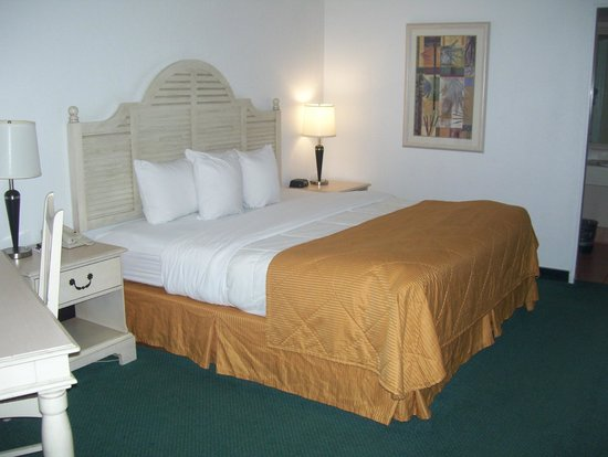 Quality Inn Phoenix Airport: bed