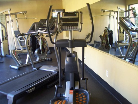 Best Western Royal Sun Inn & Suites: gym