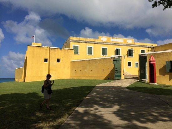 Fort Christiansvaern: Fort front