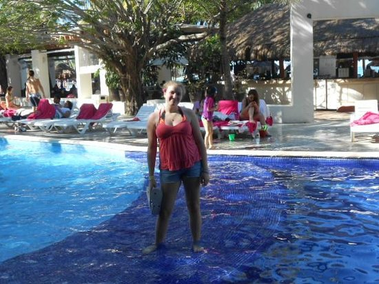 Grand Oasis Palm: Walking on water