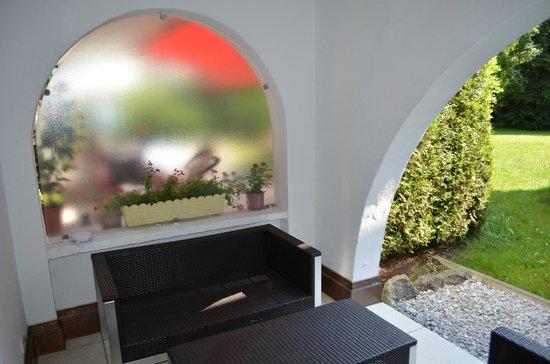 Gastehaus Maria : терраса (мебель для отдыха)