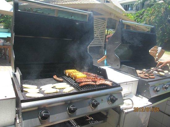 Novotel Cairns Oasis Resort: BBQ