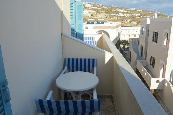 Evgenia Villas & Suites : balcony