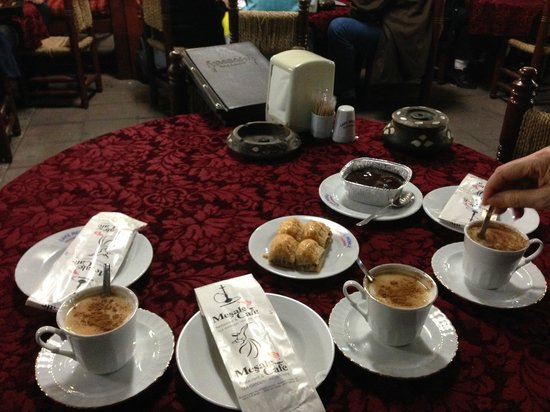 Mesale Cafe: Sahlep and dessert