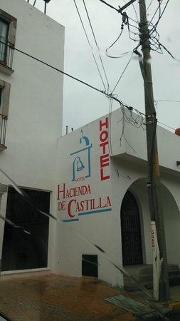 Hotel Hacienda de Castilla: Extremely difficult to find it