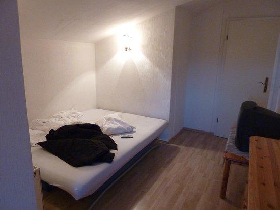 Hostel 2962 : room 2