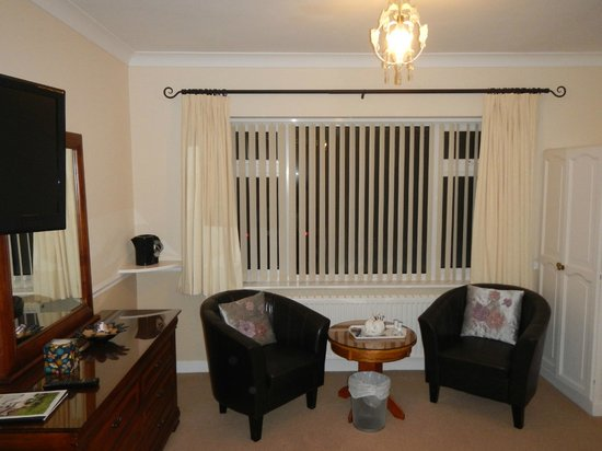 Ardmore House: Sitting area in room