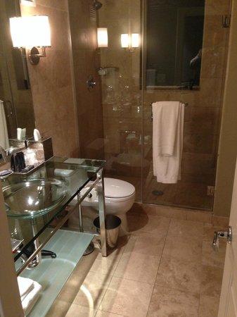 Hotel ZaZa Houston: great bathromms
