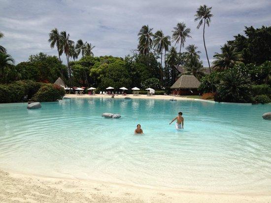Le Meridien Tahiti: Dreamy pool