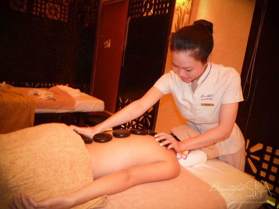 Ho Chi Minh City, Vietnam: Hot stone massage