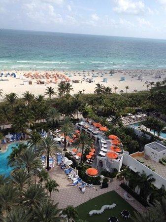 Loews Miami Beach Hotel: Balcony view!