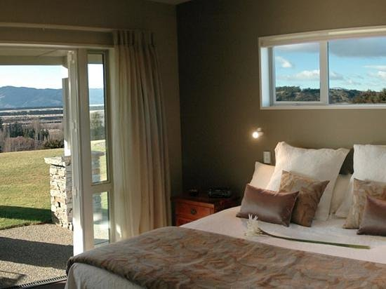 Riverview Terrace : Room & view