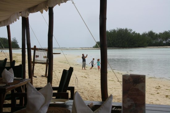 Pacific Resort Rarotonga: Really safe beach for the kids. Even the little ones