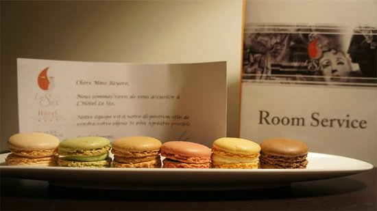 Hotel Le Six: Welcome Macarons