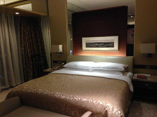 Shangri-La Hotel, Beijing: nice bed