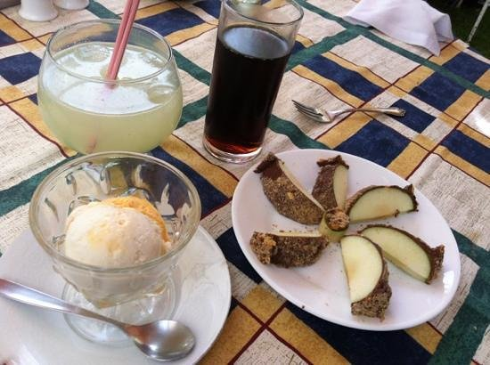 El Huerto: dessert and limonada! :)