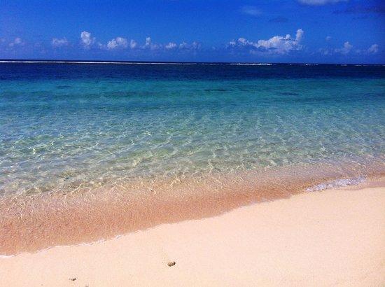 Anita's Beach Bungalows: The crystal-clear water at Lalomanu Beach