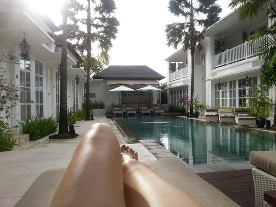 The Colony Hotel Bali: Small and cosy poolside