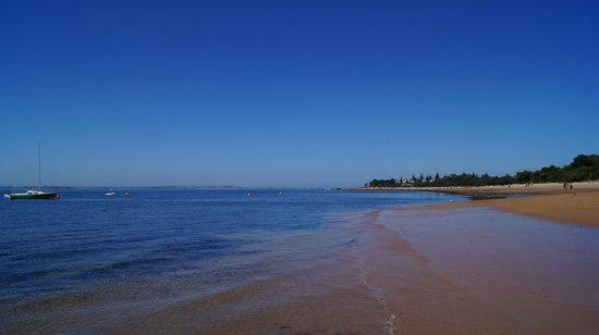 Glen Isla House : beach -just a quick stroll away