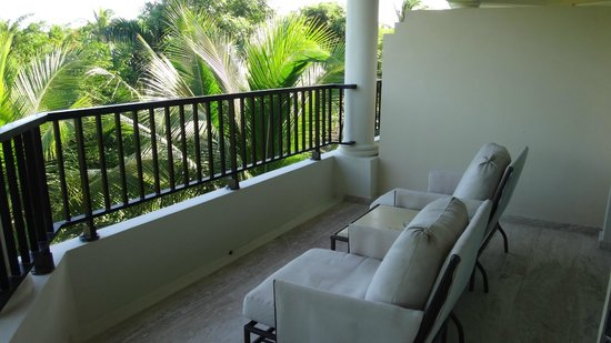 The Reserve at Paradisus Punta Cana : our balcony faces the woods and we like the view a lot