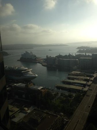Shangri-La Hotel Sydney: view from horizon club room