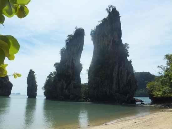 strange rockformation on koh kudu - Picture of Koh Ku Du Yai Island, Ko Yao N...