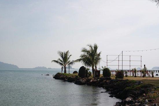 Chai Chet Resort: The seaside