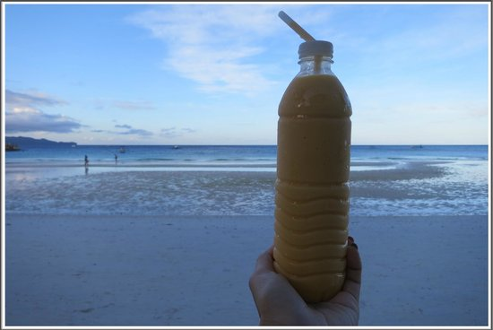 Jonah's Fruit Shake & Snack Bar: Mango Milkshake