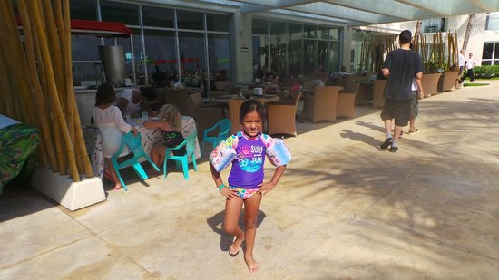 Sunset Royal Beach Resort: en el comedor