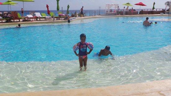 Sunset Royal Beach Resort: mi sorina hermosa