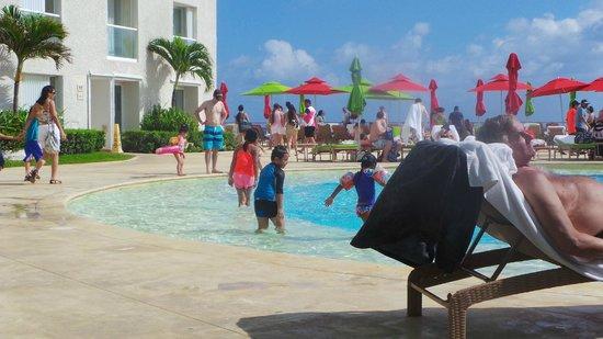 Sunset Royal Beach Resort: buen ambiente