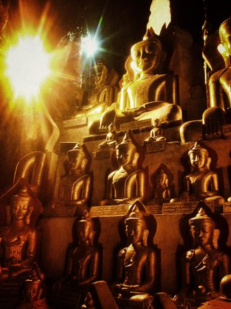 Myanmar Treasure Inle Lake : Images of Buddha in Pindaya Cave