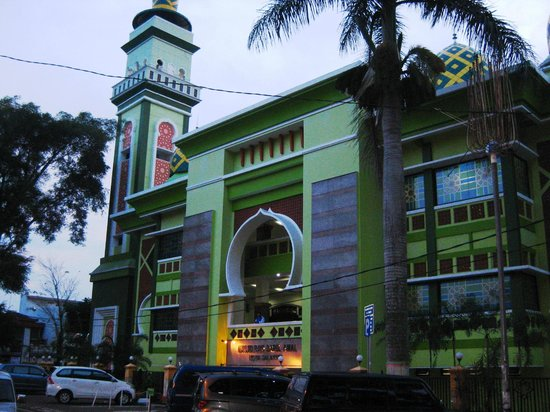 Salatiga Central Mosque Located 5 10 Mins Walk From Griya Tetirah